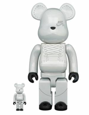 Medicom Toy Nike SB Bearbrick Set 100% 400% - Platinum White Medicom Toy Toys 250,00€